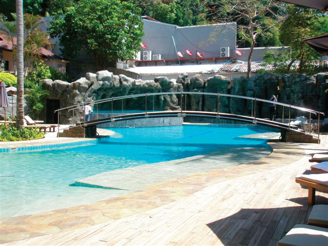 Modular pools splash pools for Prefab pools